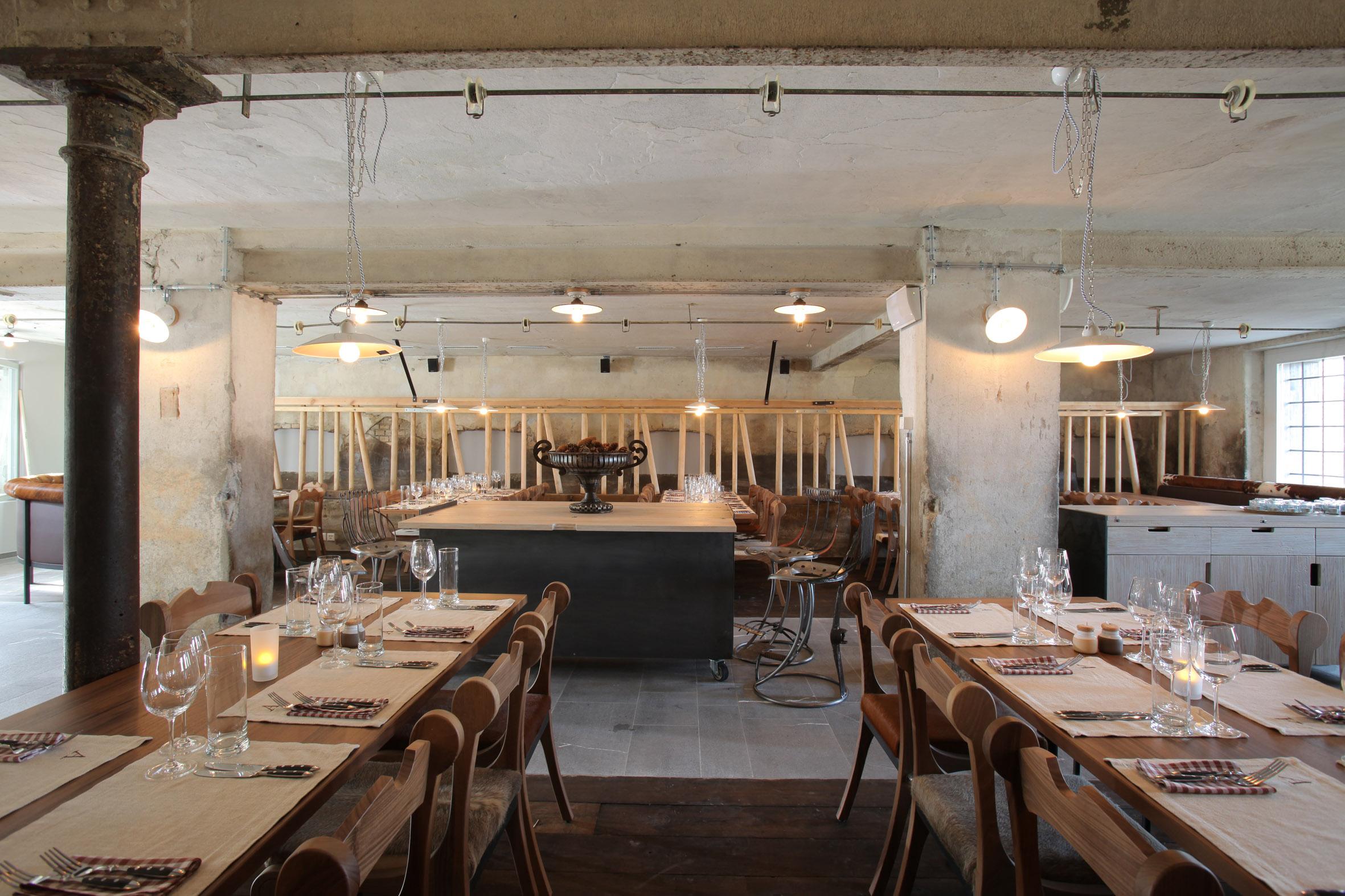 J And K Auto >> Erneuert und erweitert: Das Restaurant Adlisberg öffnet am ...