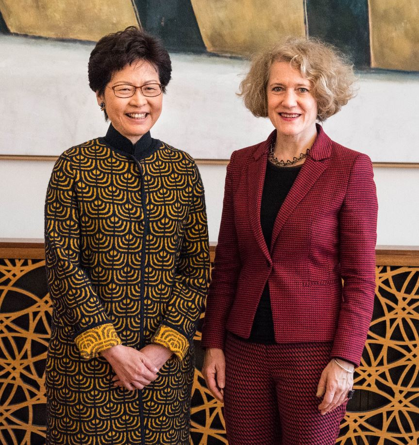 Hongkong CEO Carrie Lam and Mayor Corine Mauch in the Zurich City Hall