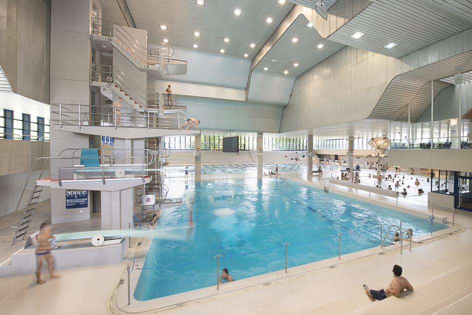 Für Kinder: Planschbecken Mit Wasserspielen (29°C), Nichtschwimmerbecken  (30°C), Aussenspielplatz Wettkämpfe: Elektronische Zeitmessanlage Im ...