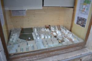 Modell im Schaufenster des Zehntenhauses ausgestellt.
